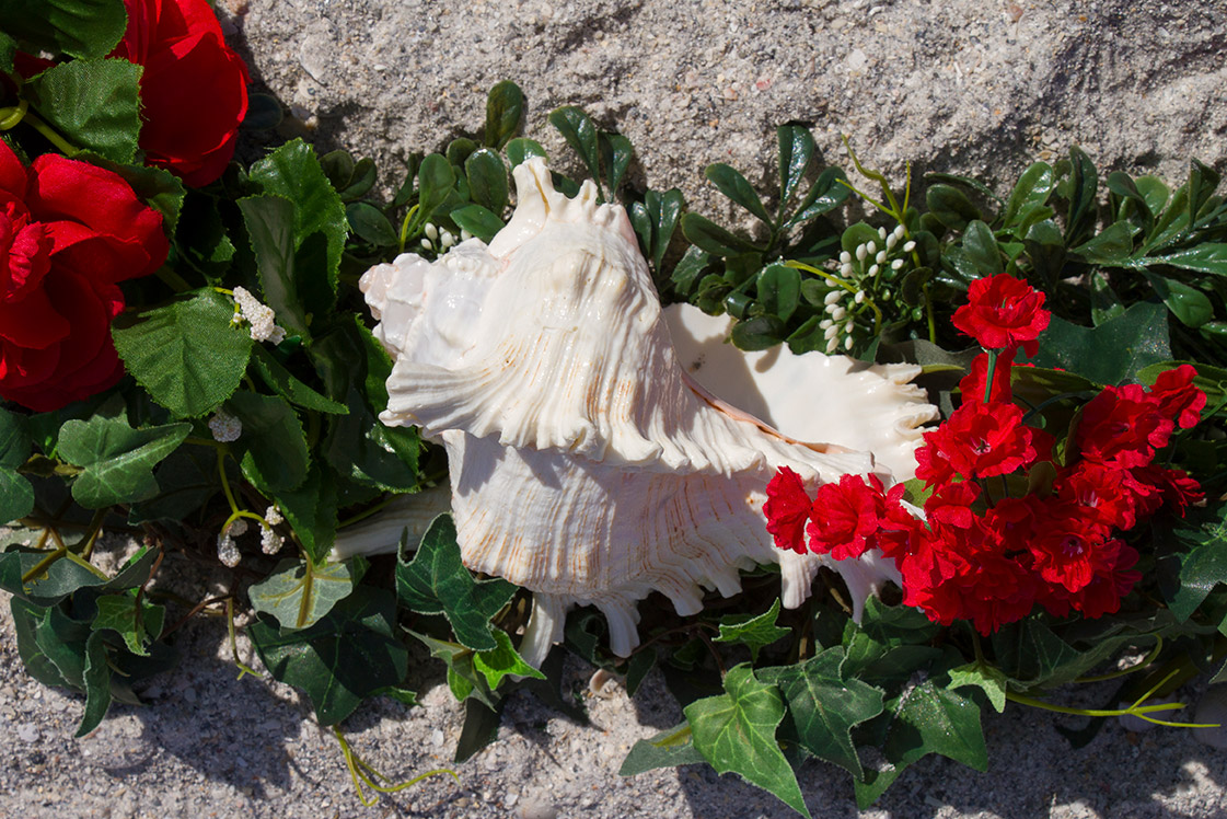 Red Heart Wreath Altar Detail