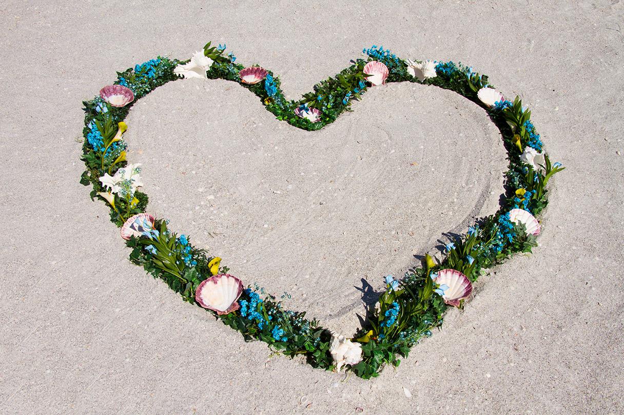 AquaTurquoise-Heart-Wreath-Altar